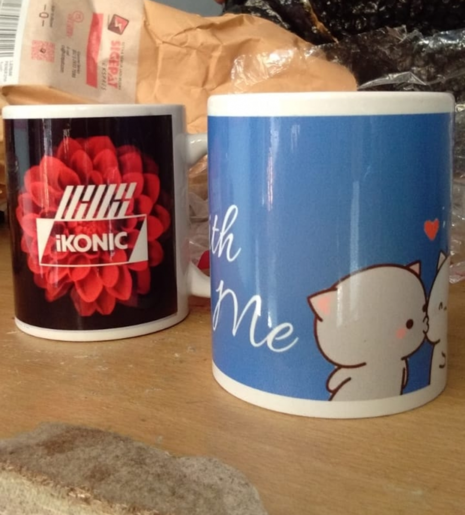 Custom Mug Gift Pernikahan Free design di Jakarta